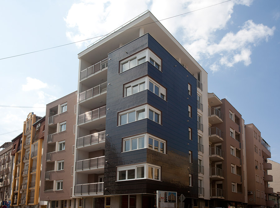 Završen je i useljen poslovno stambeni objekat na uglu ulica Železničke i Laze Kostića.